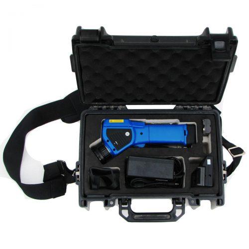 Koffer mit Wärmebildkamera geöffnet